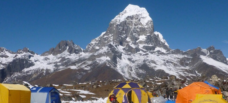 Ama-Dablam-base-camp