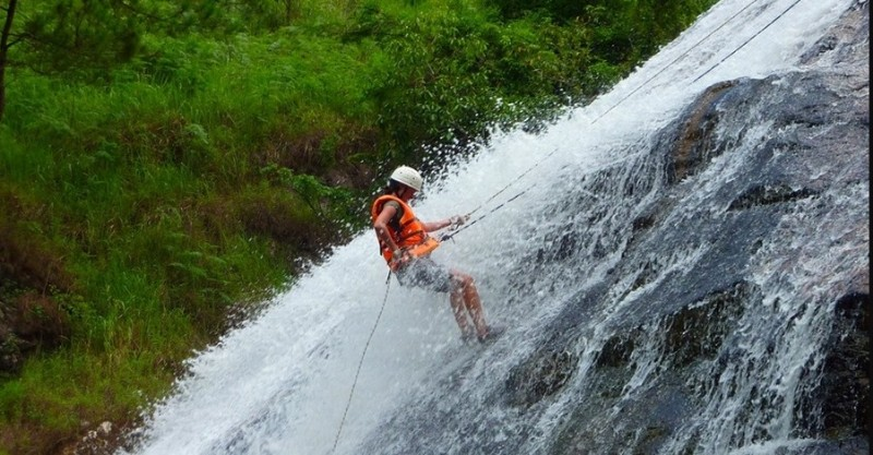 Canyoning-in-Bhotekoshi
