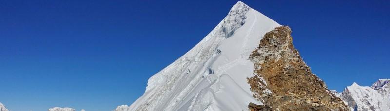 lobuche-peak