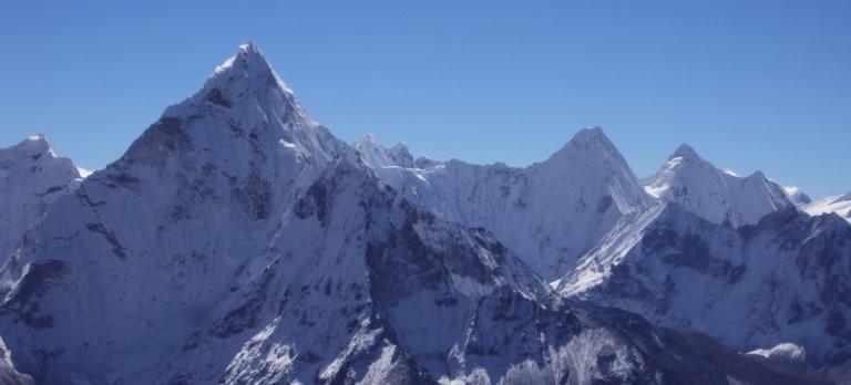 Lobuche East Peak Climbing 768x348