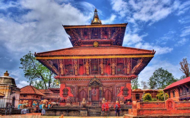 Private Half Day Bhaktapur and Changu Narayan Temple Tour 768x478